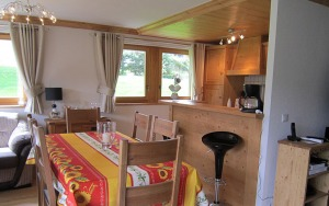 Diner with Fully Fitted Kitchen